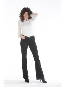 Jeans basici a zampa d'elefante